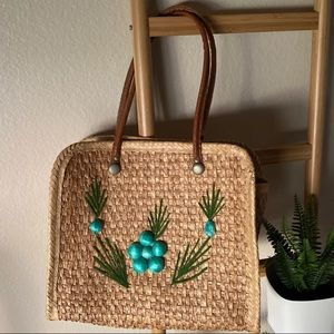 Handbags - Beautiful Straw & Faux Leather straps tote